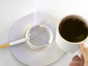 functionar_public_la_cafea_si_tigara