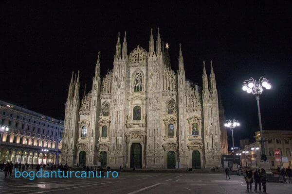 Milano - Duomo din Milano noaptea